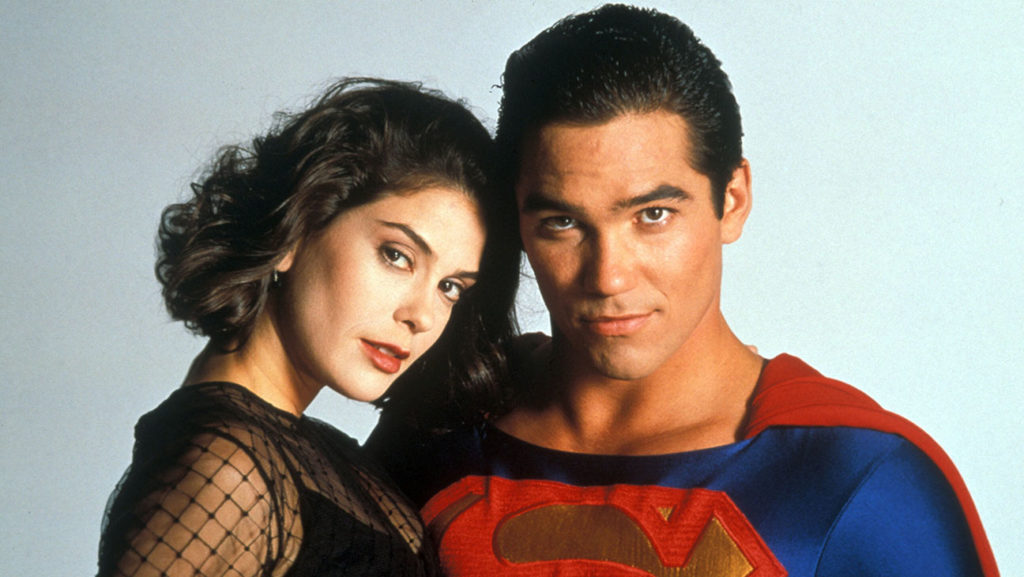 Lois Lane being held by Superman as played by Teri Hatcher and Dean Cain.